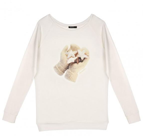LF Gloves Ivory - loose fit model