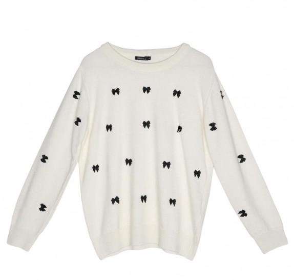 Ivory Pullover black bows on front